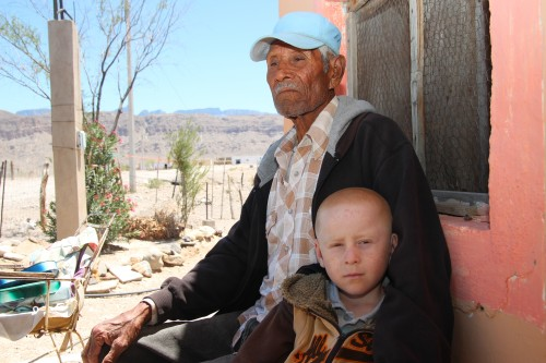 Pablos Robles with his grand nephew Derian Diaz, Boquillas, Mexico. (Photo: Lorne Matalon)