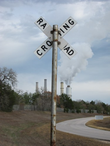A coal power plant in Fayette, Texas (Andy Uhler/KUT News)