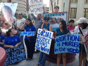 Protestors rally against abortion last year outside the county courthouse in El Paso. (Mónica Ortiz Uribe)