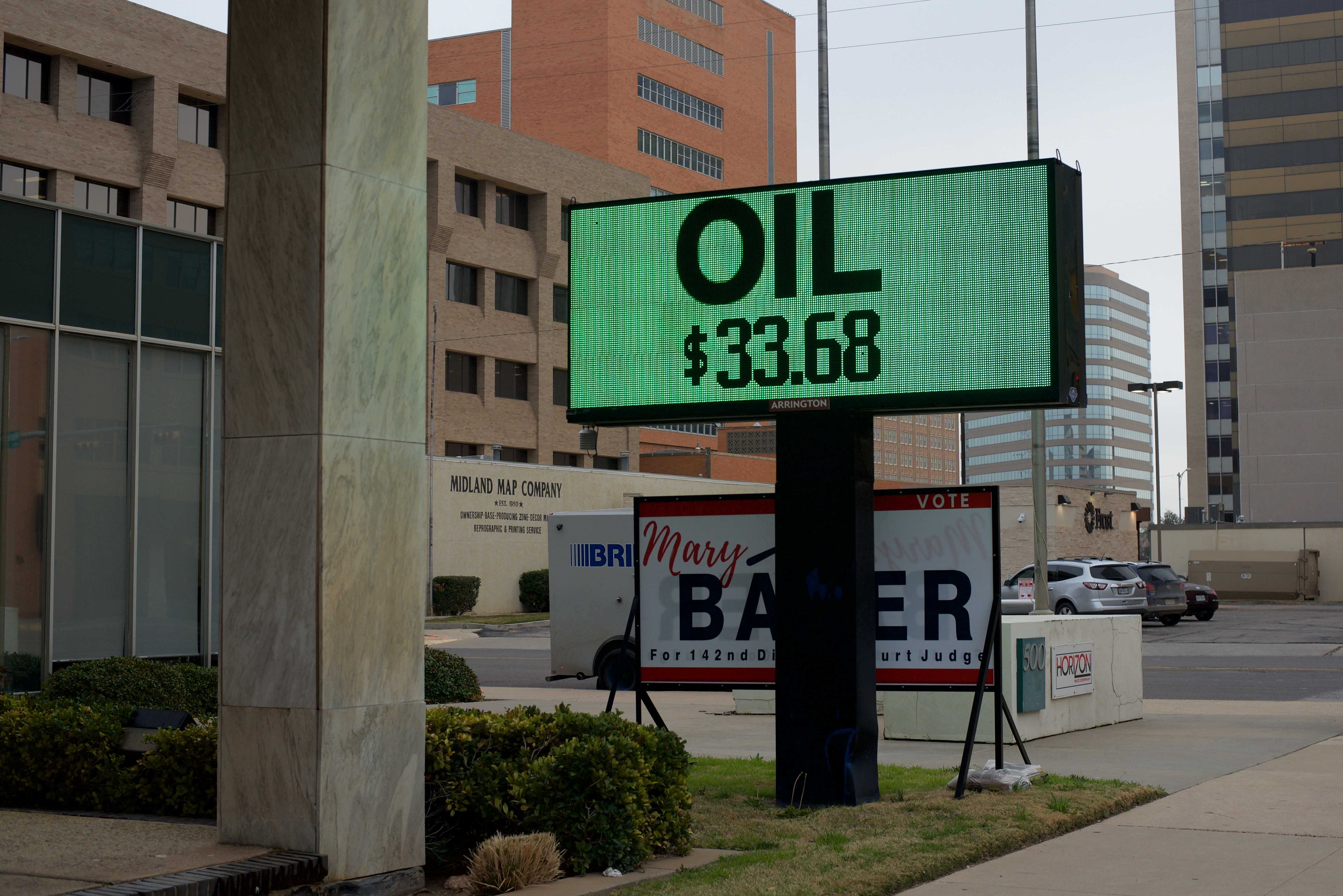 Permian Basin Oil Workers Face Possible Bust As Global Oil Markets Crash Krts 93 5 Fm Marfa Public Radio